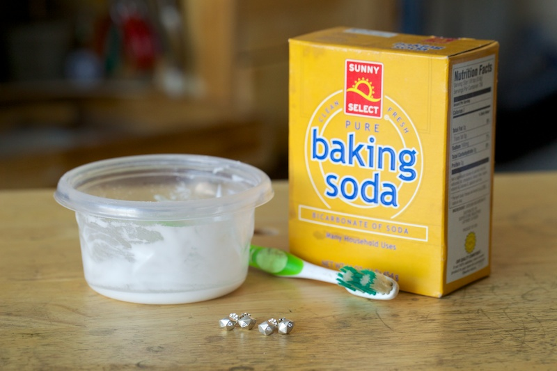 5 ways to clean silver jewelry corey egan metalsmithing for How to clean jewelry with baking soda