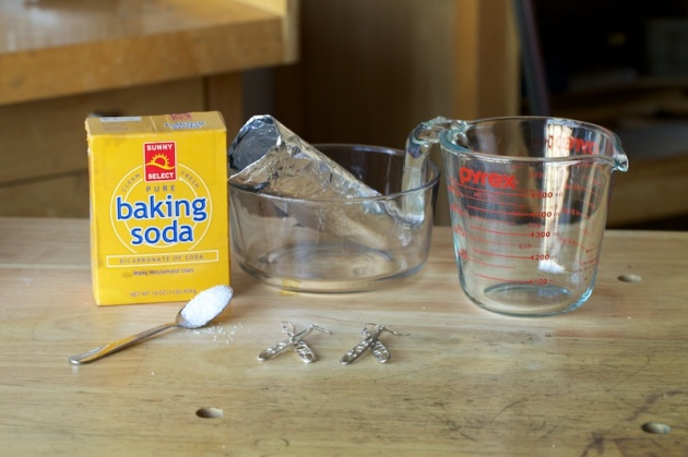 corey-egan-cleaning-silver-jewelry-super-baking-soda