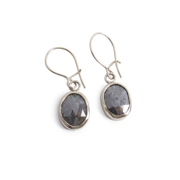 14kw-greydiaslice-earrings