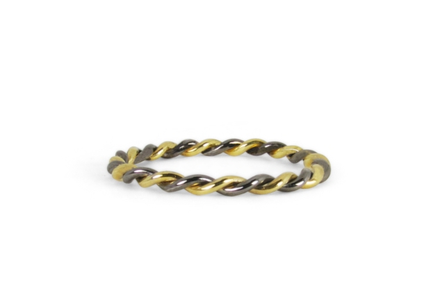 Black-Gold-Twist-Ring