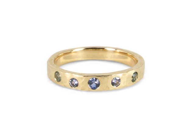 multicolor-sapphire-hammered-band-1